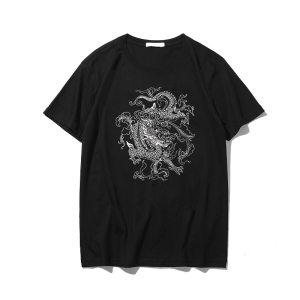 T-shirt streetwear sur fond blanc