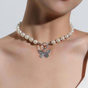 Collier en perle - Papillon