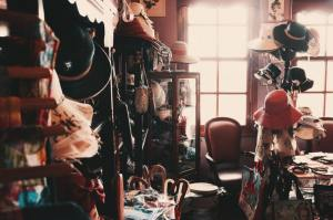 clutter in the room