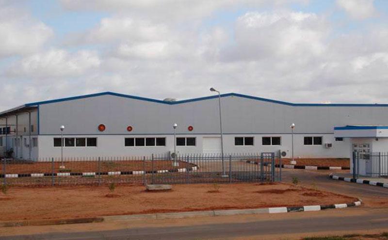 Planificadora Industrial en Angola