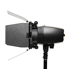 Foco-luz-estudio-grupo-audiovisual-video-corporativo-grupoaudiovisual