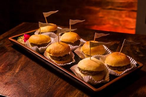 mini hambúrguer