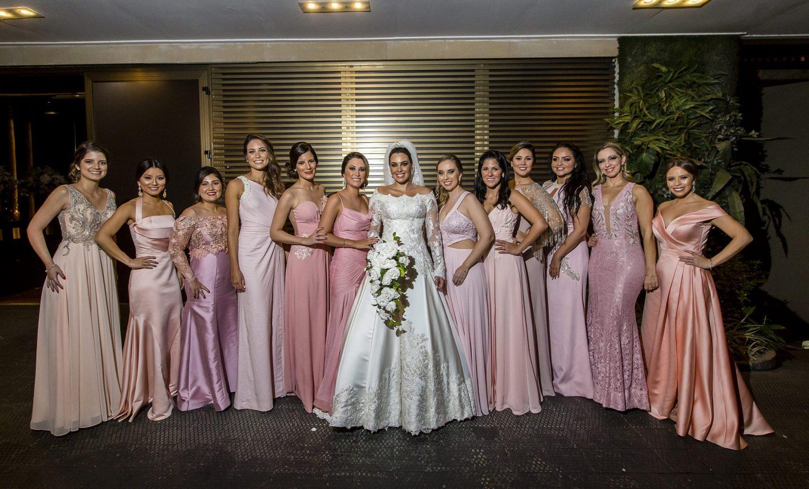 Madrinhas: usar a mesma cor de vestido?