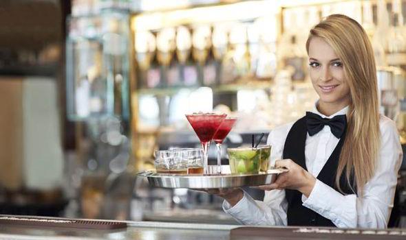 vacante de camarera en cafetería o restaurante