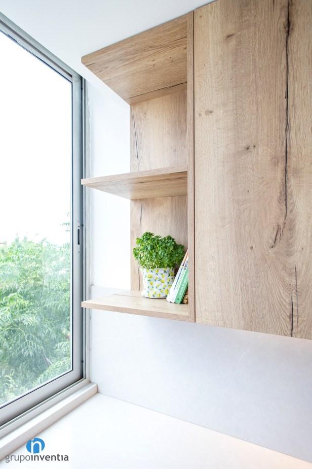 estanterías madera cocina