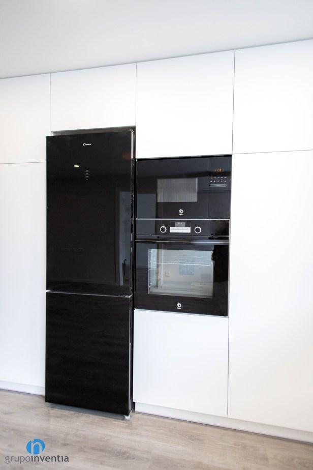 elelctrodomésticos color negro