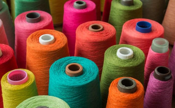 Comprendiendo el universo del hilo y qué tipo deberías usar al tejer