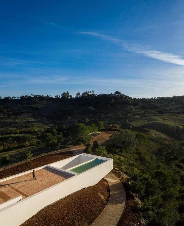 Casa en Messines por Vitor Vilhena Architects en Portugal