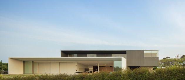 Casa JY de Studio Arthur Casas en Porto Feliz, Brasil