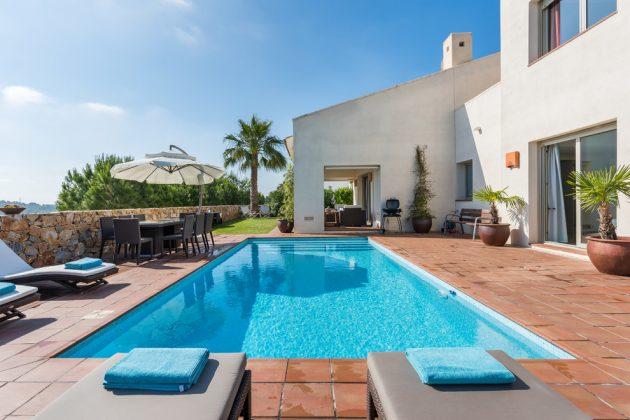 Los pros y los contras de ser propietario de una piscina