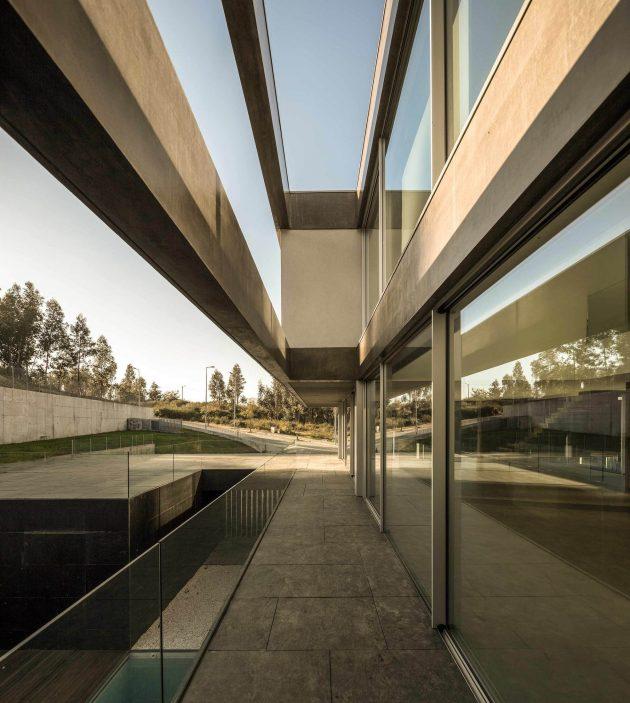 BE House de Spaceworkers en Paredes, Portugal