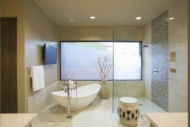 16 lujosos baños que vale la pena ver