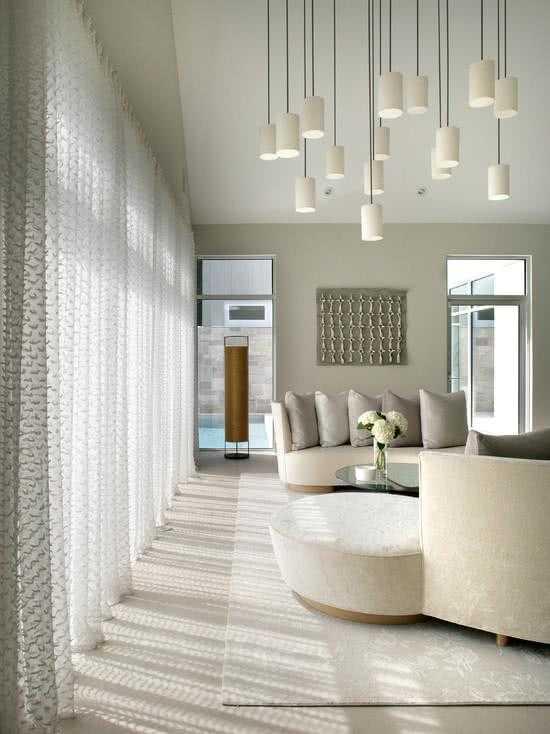 Diferentes ambientes decorados con cortinas de tela que se ven espléndidas