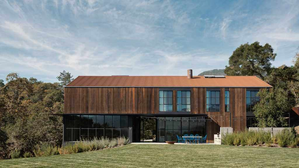 Gran granero de Faulkner Architects en Glen Ellen, California