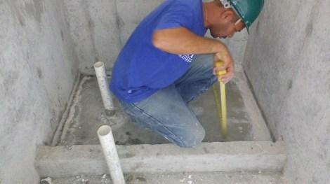 Proyecto Altaterra en el Crisol - Trabajamos duchas y pasillos.