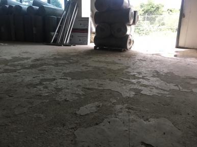 Piso deteriorado en siguientes fotos se puede ver la restauración e instalación de piso epoxico
