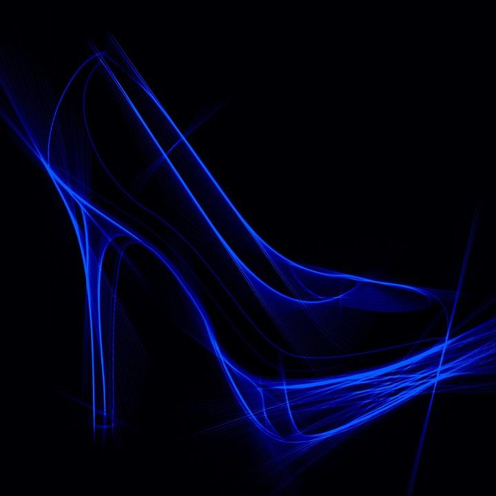 Silueta azul de un zapato de tacon de aguja sobre un fondo negro