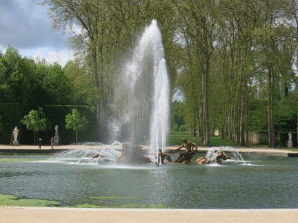 16. Bassin d' Apollon