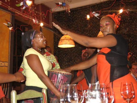 132. Afrikansk underholdning