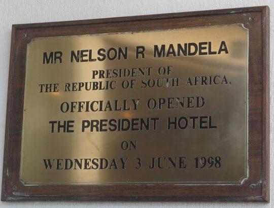 205. Mandela har åpnet The President i 1998 (2)