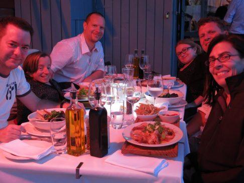 45. Gruppebilde middag