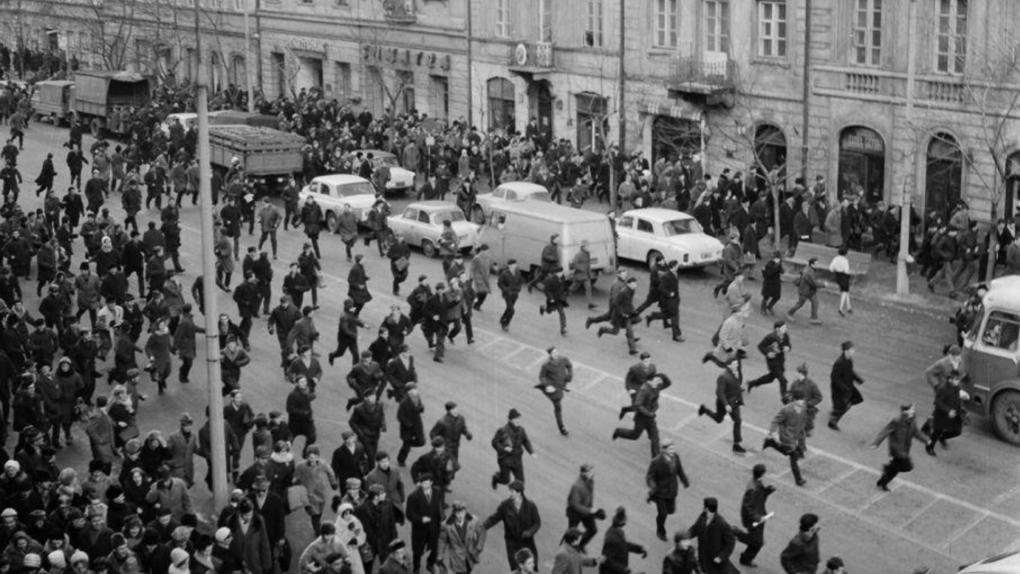Zamieszki na Krakowskim Przedmieściu w czasie Marca 68'