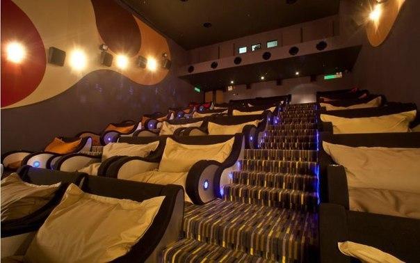 В кинотеатрах москвы порно фильмы