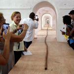 На Кубе к юбилею Фиделя Кастро торседор скрутил 90-метровую сигару