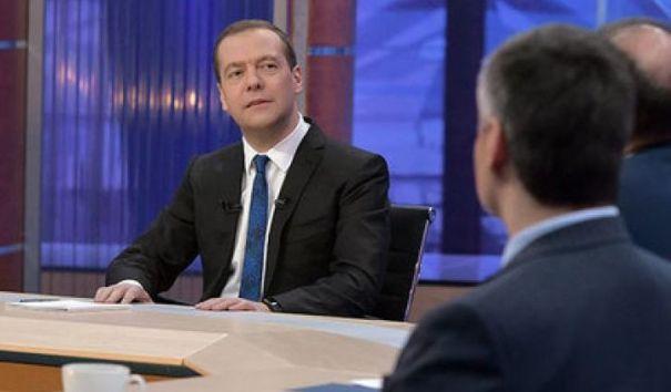 Медведев: идет разработка новой налоговой системы