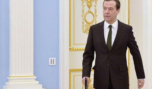 "Медведев назвал компромат ФБК на него ""компотом"" и ""какими-то бумажками"""