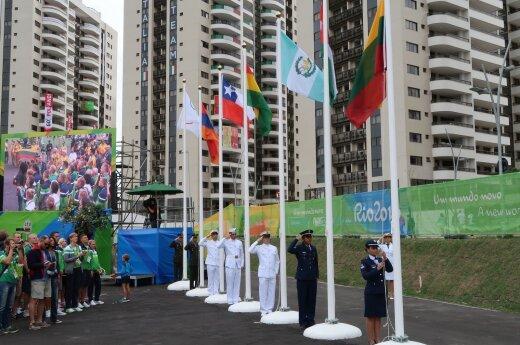 Lietuvos trispalvės pakėlimo ceremonijoje – ir braziliški šokiai
