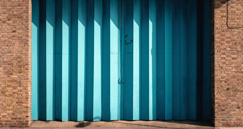 Garage Door Color Ideas on Garage Door Color Ideas  id=41237