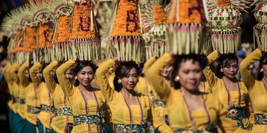 Pengenalan atas Kasta: Sangkar Emas Perempuan Bali Dulu, Kini, dan Nanti