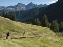 Continuamos descenso hasta Scuol (por Javi)