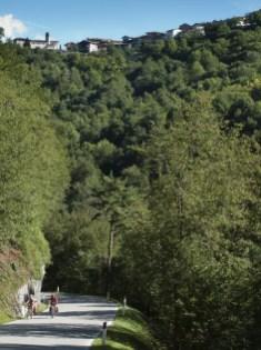 """Salimos de Ponte Caffaro para """"escalar"""" las montañas que rodean el lago d'Idro (por Javi)"""