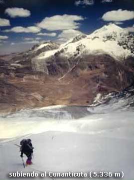 subiendo al Cunatincuta (5336m)