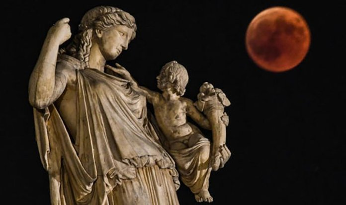 Đang tải Eclipse-2018-in-pictures-blood-moon-athens-1437832.jpg…