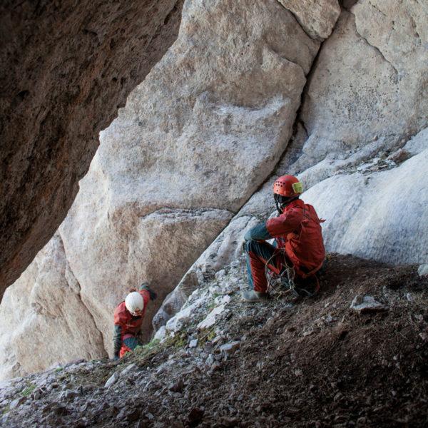 L'ingresso di Shpella Shtares (foto di Orlando Lacarbonara)