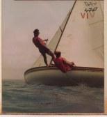 1985.04_ Navegadas en 470 en la Costa de Falcón junto a su padre y hermanos. Proel en el trapecio