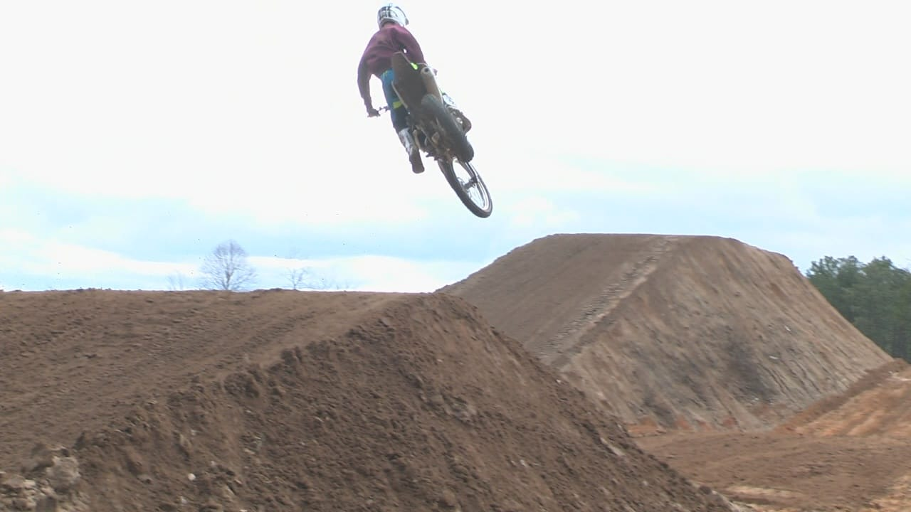 motocross rhythm jumps