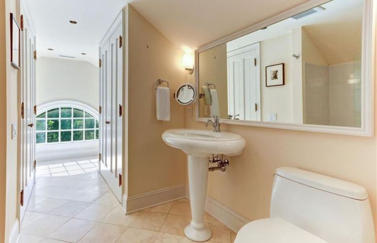 106 fisher park circle bath 2.jpg