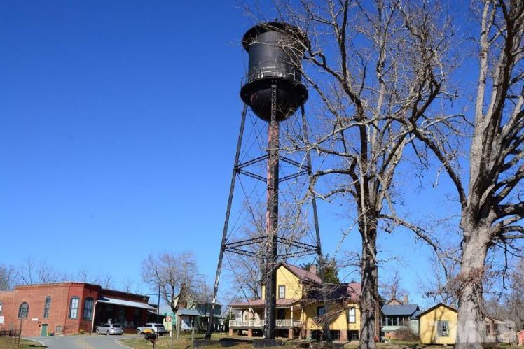 glencoe water tower.jpg