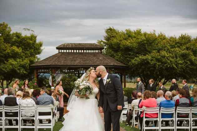 GW1 2331 2 Seattle and Snohomish Wedding and Engagement Photography by GSquared Weddings Photography