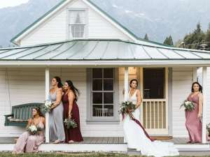 bride and bridesmaids ashe and alder wedding photography darrington oso farmhouse seattle wedding photographer
