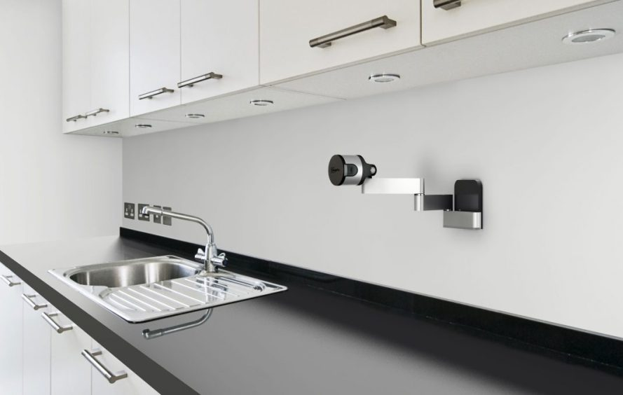 FlexMount_in_kitchen