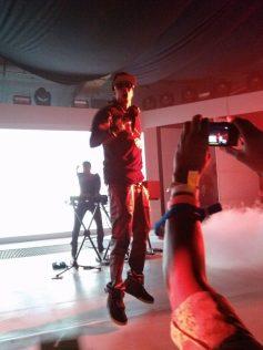 Samsung Galaxy Note II - 2 Chainz Performing
