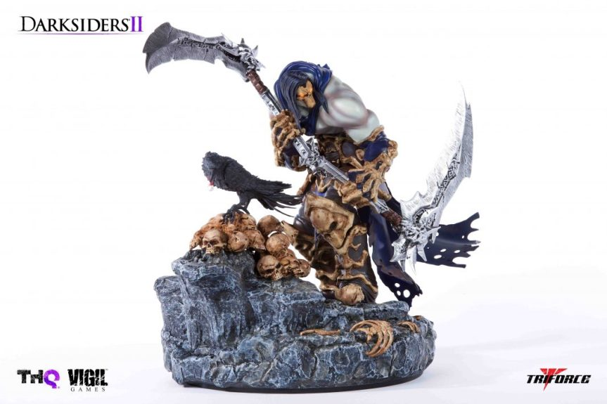 Death and Dust Premier Scale Statue