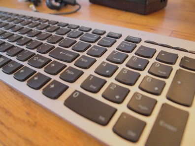 Lenovo IdeaCentre A720: An All In One PC - Keyboard 2