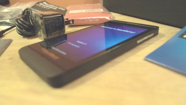 BlackBerry Z10 Smartphone - AT&T - Review - Screen 1
