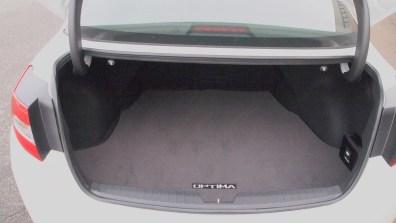 Kia Optima SXL – open - trunk - space - g style magazine